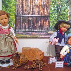 Kathe Kruse Viktoria Hans Ganseliesel Collector Dolls Nuremberg 2016