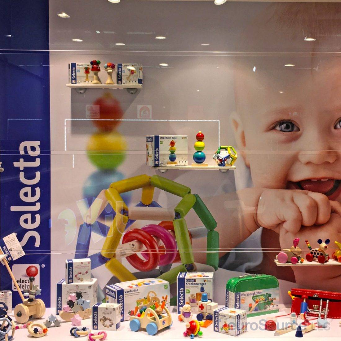 Selecta Spielzeug display window